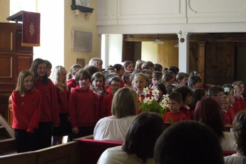 Cromarty Primary school singing in the East church