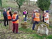 Helen Bradley of Archaeology Scotland talks to the kirkyard conservation group