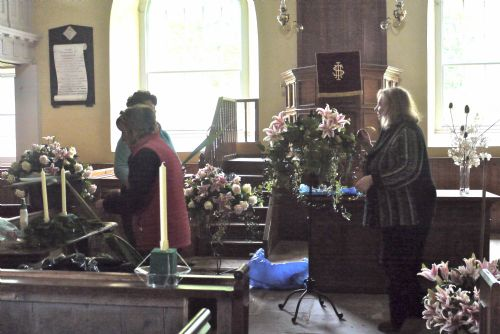 East Church, Cromarty wedding flowers